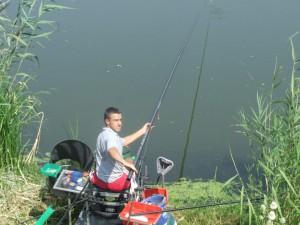 V mužstve hložianskeho Šarana súťažil aj dorastenecký reprezentant Srbska Ján Haška a chytil 1 790 g rýb