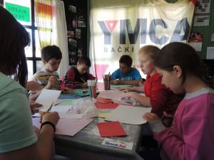 Žiakov po príchode do YMCA denne čakali kreatívne dielne