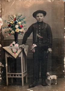 Mládenec z prvej polovice 20. storočia
