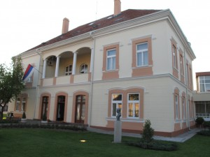 Vladičanski dvor, sídlo Šabackej knižnice, miesto stretávania rôznych druhov umenia z rozdielnych kútov krajiny