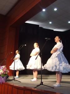 Zo spevu Kulpínčaniek (zľava) Michaely, Miliny a Kristíny Čiliakových bolo počuť, že už niekoľko rokov spolu spievajú