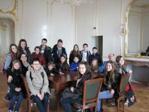 Malí divadelníci na návšteve paláca