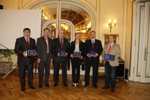 Đorđe Radinović (prvý zľava) s najúspešnejšími podnikateľmi a manažérmi Srbska