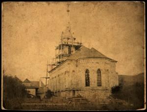 Výstavba kostola v Púchove roku 1880 (z archívu zboru Púchov)