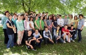 Pazovskí malí maturanti s triednymi profesorkami a psychologičkou školy