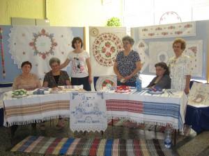 Členky Spolku petrovských žien na výstave