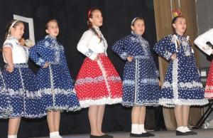 Časť speváckej skupiny ZŠ maršala Tita z Padiny