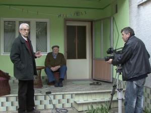 Záber z nahrávania dokumentu v Pivnici a na ňom (zľava) Ján Struhár, Ondrej Durgala a Jozef Maďar (archív A. H.)