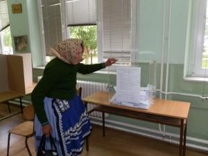 Staropazovčanka Katarína Forgáčová hlasovala na jednom z troch volebných miest v ZŠ hrdinu Janka Čmelíka