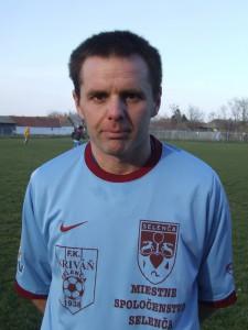 Krásny gól z voleja: Juraj Dobrík (Kriváň Selenča) (Foto: J. P.)