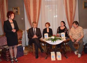 Prítomných pozdravila a laureátom gratulovala predsedníčka NRSNM Anna Tomanová-Makanová