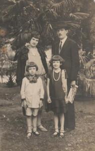 Vladimír Roy s manželkou a deťmi v roku 1928