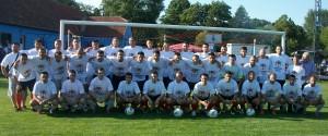 Terajší a bývalí hráči Doliny, ktorí sa pričinili k veľkému úspechu padinského futbalu