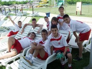 Chlapci z Kaća vedeli osláviť triumf v konkurencii futbalových kohútikov      (Foto: M. B.)