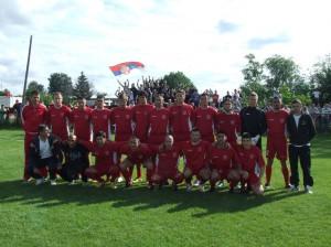 Mužstvo Odžakov pred zápasom s Rusínom, ktorý vyhrali domáci 6 : 2