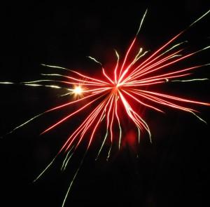 Ohňostroj nad padinskou dolinou zahlásil veľkú oslavu... (Foto: J. Šp.)