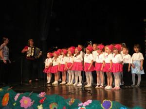 Dnes je veľký sviatok detí – spoločne zaspievali petrovské deti