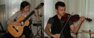 Sestra a brat Anna a Igor Havranovci si do festivalového repertoáru, možno aj v dohovore, zaradili aj Bachove skladby