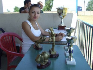 Tieto poháre dostali najlepšie mužstvá a hráči na vlaňajšom matičnom turnaji v Laliti (Foto: J. P.)