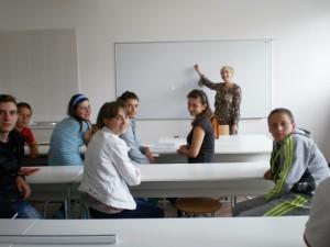 Výučba v novom kabinete (fotoarchív školy)