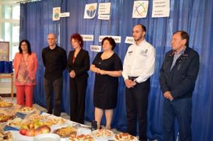 Z otváracieho ceremoniálu: Aleksandra Ristićová, Ognjen Marković, Anna Tomanová-Makanová, Svetlana Zolňanová, Nebojša Malenković a Juraj Bocka (stoja zľava)