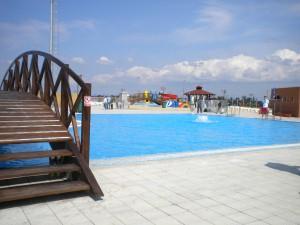 Pohľad na mestské bazény v Starej Pazove