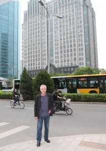 Medzi rôznorodými dopravnými prostriedkami a mrakodrapmi metropoly