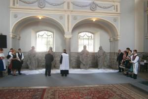 Petrovčania boli pri odhaľovaní zrekonštruovaných sôch evanjelistov...