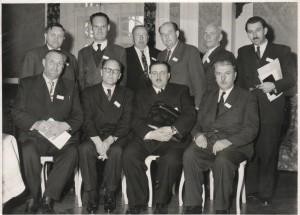 Účastníci Luteránskej konferencie v Ženeve roku 1956: sedia zľava: senior Karl Kovač (Slovinsko), Dr. Juraj Struhárik (biskup SEAVC v Juhoslávii),  generálny biskup Dr. Ján Chabada (Československo), generálny inšpektor Andrej Žiak (Československo); stoja zľava: dekan Dr. Ján Michalko (Československo), Vladimír Vereš (slovenský kňaz, Juhoslávia), Štefan Kvas (slovenský kňaz, Juhoslávia), senior Ctibor J. Handzo (Československo), Dr. Jozef  Berger (Československo) a prof. ThDr. Karol Gábriš (Československo).