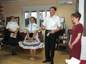 Výstavu Kniha a rodisko otvoril Dragan Kojić, riaditeľ Mestskej knižnice Nový Sad