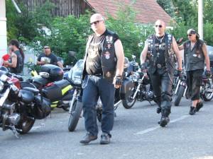 Silné motory, špecifický štýl oblečenia, ale aj života – motorkári zo Slovenska v Kysáči
