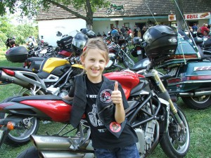 Jana Demrovská tiež účinkovala v motodefilé
