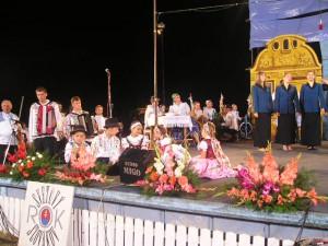 Aj deti sa pekne zabávali a zaspievať si prišli i členovia speváckeho zboru z Petrovca