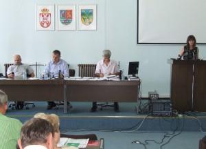 Za riaditeľku Knižnice Štefana Homolu v Petrovci vymenovali Jarmilu Stojimirovićovu, ktorá sa prítomným aj prihovorila
