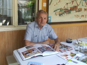 Pavel Povolný-Juhás rád porozprával o svojich maliarskych a spisovateľských dielach, ale aj o životných neplechoch...