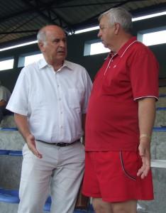 Svojich krajanov prišiel podporiť aj pán veľvyslanec Ján Varšo (vľavo) v spoločnosti Jána Brtku