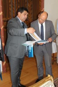 Predseda Obce Stará Pazova Đ. Radinović (zľava) počas stretnutia s D. Krattenmacherom, primátorom mesta Kisslegg