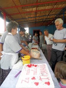 Milovníkov sladkých umeleckých diel Spolok žien potešil tortiádou