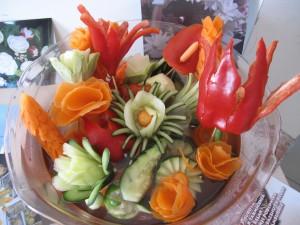 Podľa ukážkových diel carvingistov, ktoré vystavili v Relaxe, je jasné, že sa švédsky stôl dá umelecky ozdobiť pomocou zeleniny a ovocia