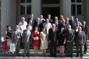 Účastníci kongresu pred budovou Matice slovenskej