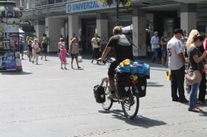 Z cudziny do stredu Belehradu: na bicykli