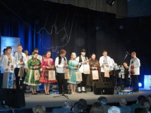 Na záver programu všetci účastníci festivalu Padina spieva 2013 na javisku prijali poďakovania